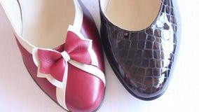 Zapatos de las mujeres s almacen de metraje de vídeo