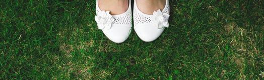 Zapatos de las novias Fotografía de archivo