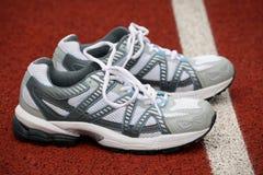 Zapatos de los deportes para el tenis Foto de archivo