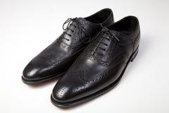 Zapatos de los hombres clásicos imagenes de archivo