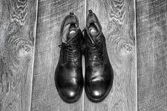 Zapatos de los hombres con estilo imágenes de archivo libres de regalías