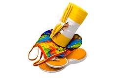 Zapatos de los vidrios del traje de baño de la toalla Foto de archivo libre de regalías