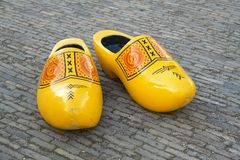 Zapatos de madera de la extra grande Fotos de archivo libres de regalías
