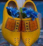 Zapatos de madera holandeses Imagenes de archivo