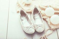 Zapatos de plata del brillo Imagen de archivo