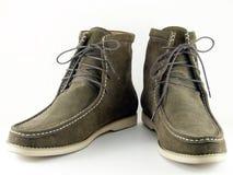 Zapatos del ante del verde verde oliva Fotos de archivo libres de regalías