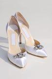 Zapatos del blanco de las novias Fotografía de archivo libre de regalías
