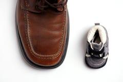 Zapatos del contraste Foto de archivo libre de regalías