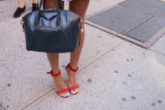 Zapatos del equipo del verano y primer anaranjados del bolso Imagen de archivo