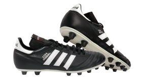 Zapatos del fútbol de Adidas fotos de archivo