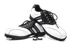 Zapatos del golf con los puntos de repuesto Fotos de archivo