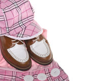 Zapatos del golf de las señoras y ropa de la tela escocesa Fotografía de archivo