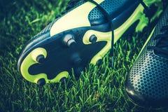 Zapatos del listón del partido de fútbol fotografía de archivo