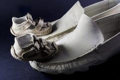 Zapatos del padre y del hijo Imagen de archivo
