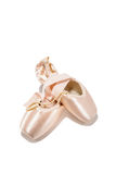 Zapatos del pointe del ballet con el collar de la perla Imagenes de archivo