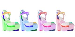Zapatos del ` s de las mujeres en un fondo blanco calzado superior Zapatos calificados italiano Imágenes de archivo libres de regalías