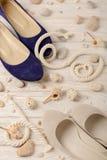 Zapatos del verano del ` s de las mujeres por días de fiesta de la playa Foto de archivo