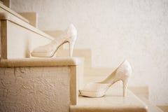 Zapatos elegantes de la boda Fotografía de archivo