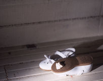 Zapatos en el ático Fotos de archivo libres de regalías