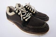 Zapatos escotados de los hombres en el fondo blanco Fotos de archivo