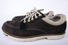 Zapatos escotados de los hombres en el fondo blanco Fotos de archivo libres de regalías