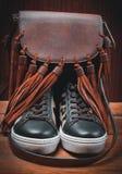 zapatos femeninos adornados con los accesorios del otoño Foto de archivo