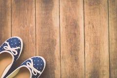 Zapatos femeninos del verano Fotos de archivo libres de regalías
