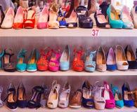 Zapatos femeninos italianos Foto de archivo