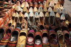 Zapatos indios tradicionales para la mujer Foto de archivo libre de regalías