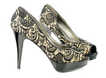 Zapatos modernos del glamor de la mujer Imágenes de archivo libres de regalías