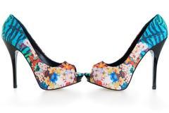 Zapatos multicolores hermosos del estilete en blanco Foto de archivo libre de regalías