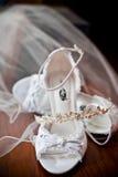 Zapatos nupciales Fotos de archivo libres de regalías