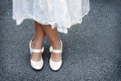 Zapatos nupciales rosados Fotos de archivo libres de regalías