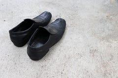 Zapatos para hombre de cuero negros Imágenes de archivo libres de regalías