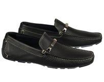 Zapatos para hombre de la moda en blanco fotos de archivo
