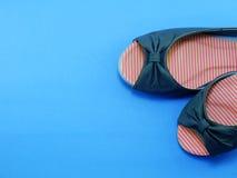 Zapatos planos de las señoras de los pares Fotos de archivo libres de regalías