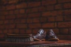 Zapatos preparados para el zapato que brilla Imágenes de archivo libres de regalías
