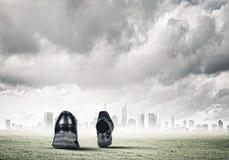 Zapatos que recorren Imagenes de archivo