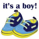 Zapatos recién nacidos para el muchacho con los cordones verdes It& x27; ¡s un muchacho! Ejemplo del vector en el fondo blanco Foto de archivo