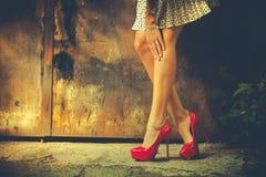 Zapatos rojos del tacón alto Foto de archivo libre de regalías