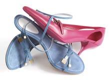 Zapatos rojos femeninos imagen de archivo libre de regalías
