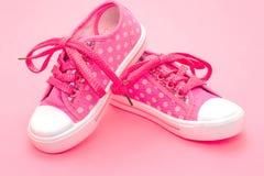Zapatos rosados de los niños Imágenes de archivo libres de regalías