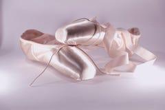 Zapatos rosados del pointe Imagen de archivo libre de regalías