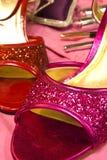 Zapatos rosados y rojos Imágenes de archivo libres de regalías