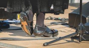 Zapatos tradicionales viejos del golpecito fotografía de archivo libre de regalías