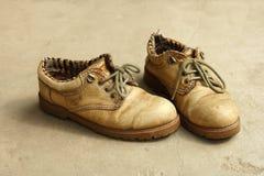 Zapatos viejos Imágenes de archivo libres de regalías