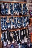 Zapatos viejos hechos a mano de la puerta del este de Zhejiang Jiaxing Wuzhen Foto de archivo
