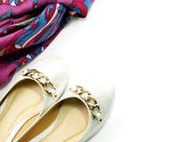 Zapatos y accesorios de la mujer del scarft Fotografía de archivo