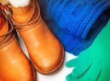 Zapatos y accesorios del invierno Imágenes de archivo libres de regalías