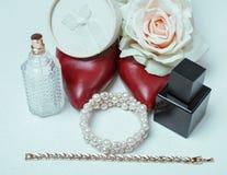 Zapatos y accesorios rojos Imagen de archivo
